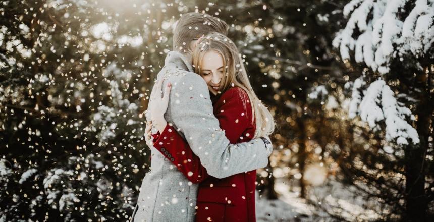 Что подарить любимой женщине на рождество: советы для мужчин